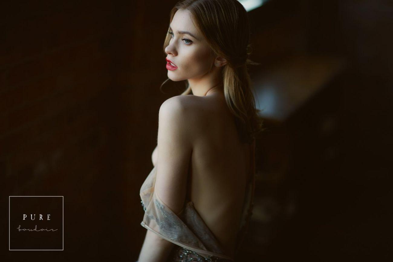 chicago boudoir elegant classy sensual 1 - Boudoir Photo Session. A Timeless Gift to Yourself .