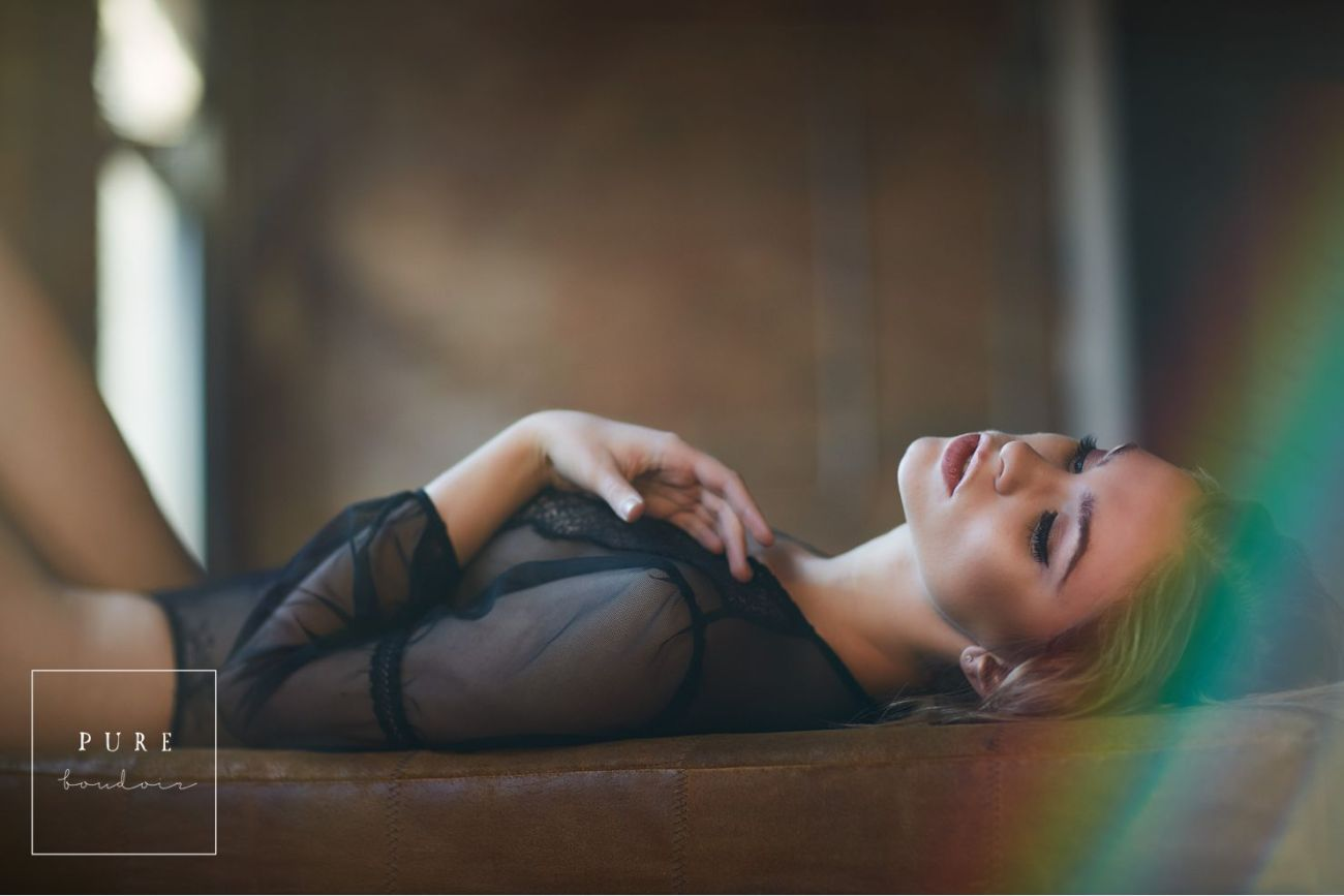 chicago boudoir romantic lingerir sexy 1 - Boudoir Photo Session. A Timeless Gift to Yourself .