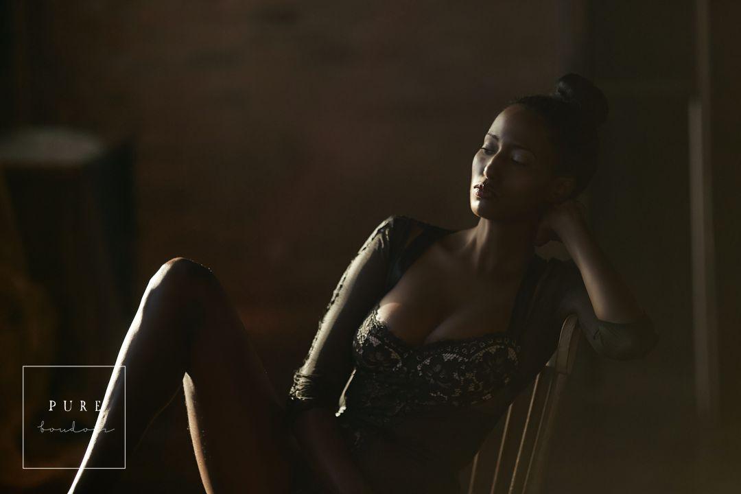 elegant boudoir photography in the west loop studio