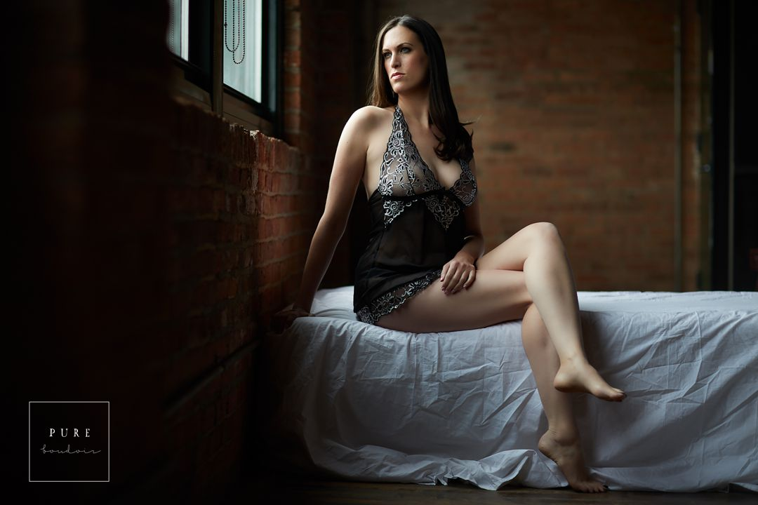 chicago boudoir elegant classy studio cancer - An extraordinary story of strength and resilience.