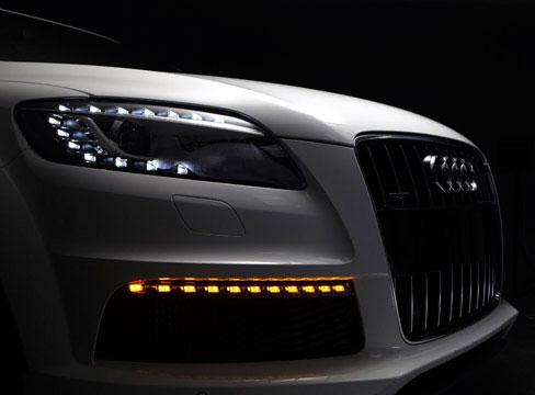 3d Penguin Wallpaper Automotive Car Photography Audi Q7 Pure Creative
