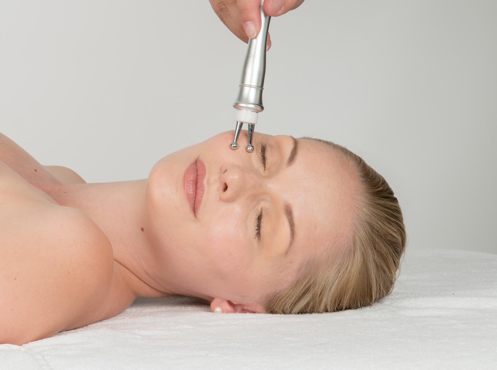 purelift plus bio micro-current-eyebrow-lift-treatments