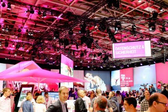 IFA - Internationale Funkausstellung in Berlin - Consumer Electronics - Smartphones - O-LED-TVs - Hausgeräte - Smartwatches - Laptops - 3D-Drucker - Lenovo, LG, Sony, ASUS, Samsung, Huawei