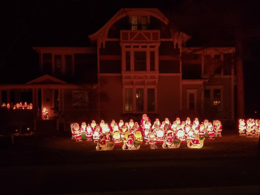 Santa house on Main st. Lombard