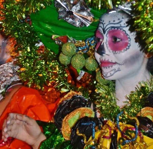 woman celebrating Dia de los Muertos or Day of the Dead in Mexico