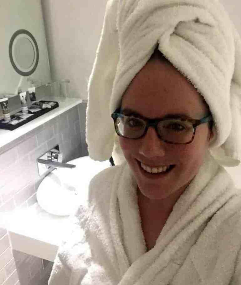 bathroom-mercure-hotel-prices-street-edinburgh-scotland-eileen-cotter-wright