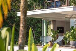 Noku-Beach-House---Lush-tropical-villa
