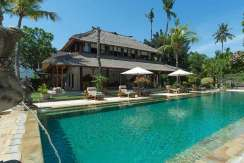 21.-Villa-Batujimbar---Pool-during-the-day