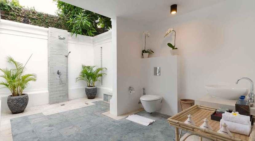 30.-Villa-Batujimbar---Bali-pavilion-bedroom-two-ensuite-bathroom