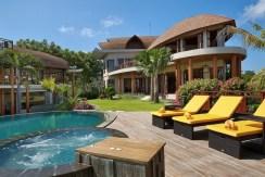 Casa Bonita Villa - 5 Bedrooms Villa in Uluwatu