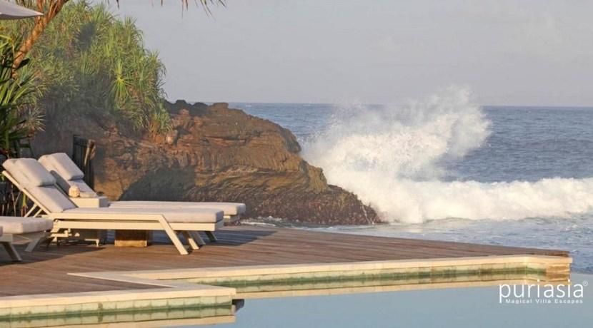Driftwood Villa - Beach