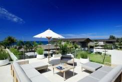 Villa Aqua - Outside living area