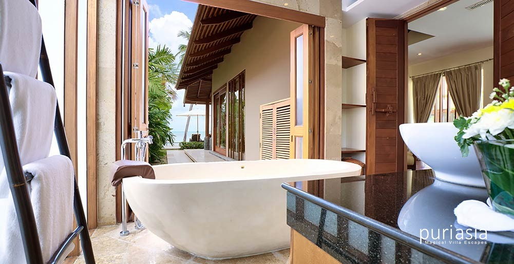 Tawantok Beach Villas - Villa One - Luxurious Bathtub Setting | Puri ...