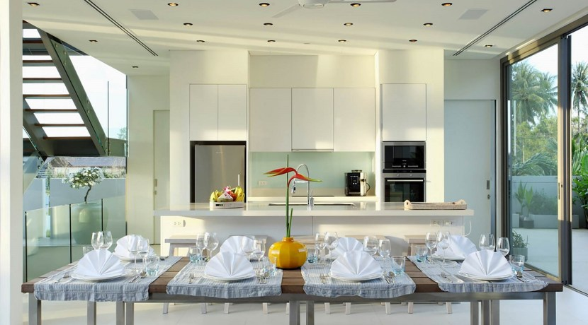 Villa Aqua - Dining and kitchen area