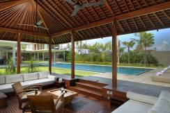 10.-Villa-Kalyani---Poolside-lounge