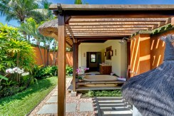 Impiana Villa Canggu - Garden Bathroom