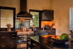 013-The-Ylang-Ylang---equipped-kitchen