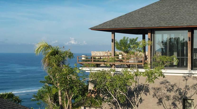 06-Sohamsa-Estate---Villa-Hamsa----Master-bedroom-balcony-outlook