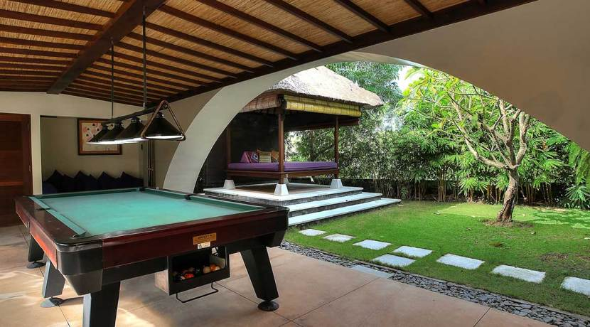 07-Indah-Manis---Snooker-table