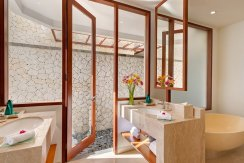 12.-Pandawa-Cliff-Estate---Villa-Rose---Ensuite-bathroom-two