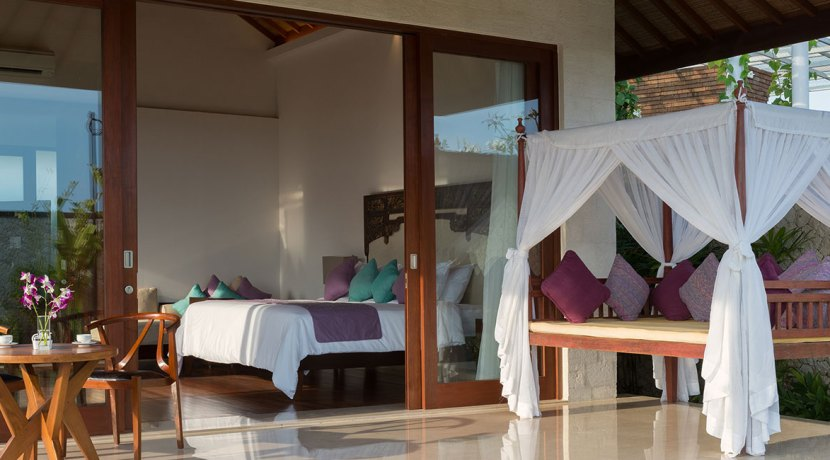 18.-Pandawa-Cliff-Estate---Villa-Marie---Master-bedroom-one-bale