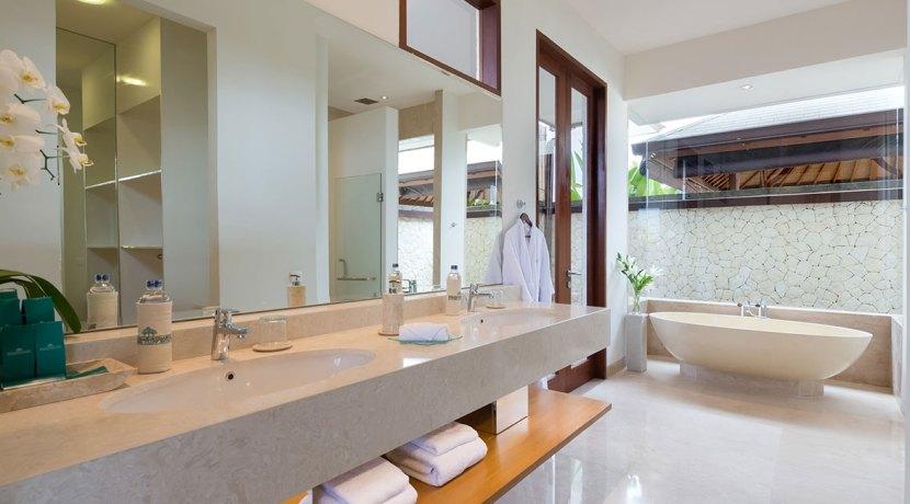 20.-Pandawa-Cliff-Estate---Villa-Marie---Bathroom-two