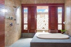 31.-Villa-Bayu-Gita---Beachfront---Downstairs-back-bedroom-ensuite