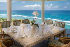 4.-Pandawa-Cliff-Estate---Villa-Markisa---Ultimate-dining-with-a-view