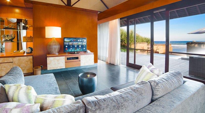 4.-Villa-Bayu-Gita-Beachfront---Living-area