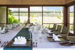 6.-Villa-Bayu-Gita-Beachfront---Indoor-dining