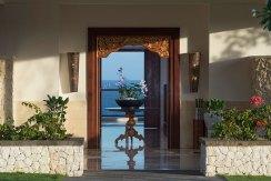 7.-Pandawa-Cliff-Estate---Villa-Rose---View-through-the-villa-to-the-sea