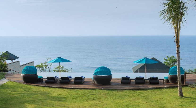8.-Pandawa-Cliff-Estate---Villa-Rose---Infinity-pool-viewed-from-the-balcony