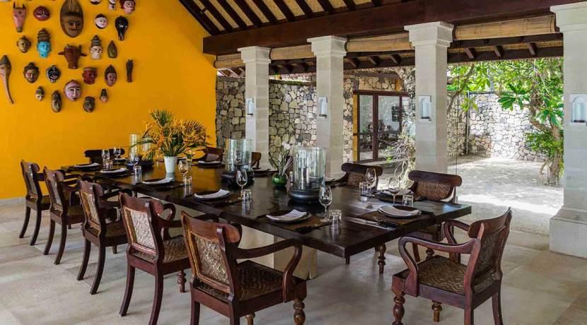 Sira-Beach-House---Open-air-dining
