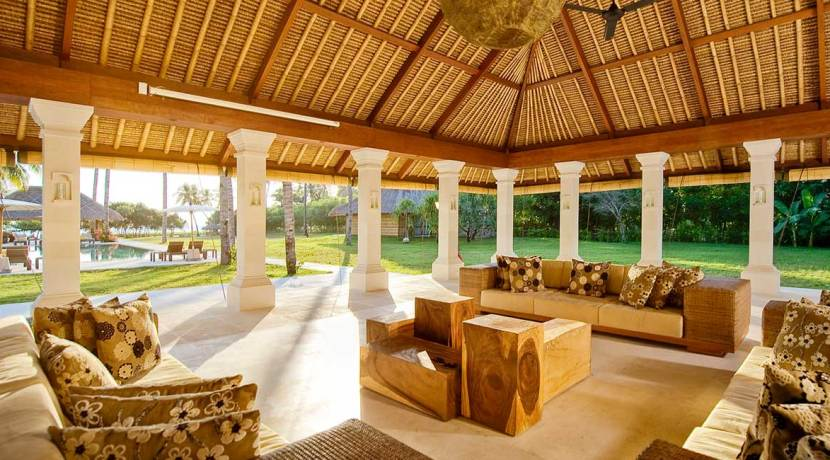 Villa-Sepoi-Sepoi---View-of-the-sitting-room-facing-the-pool-&-Lombok-Straits