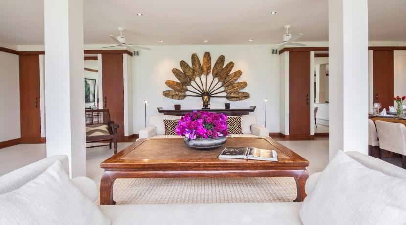 Villa Analaya - Dining and Living Area