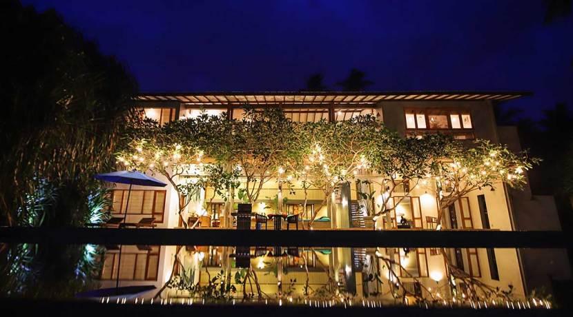 Saffron-and-Blue---Beautiful-villa-lightning-at-night