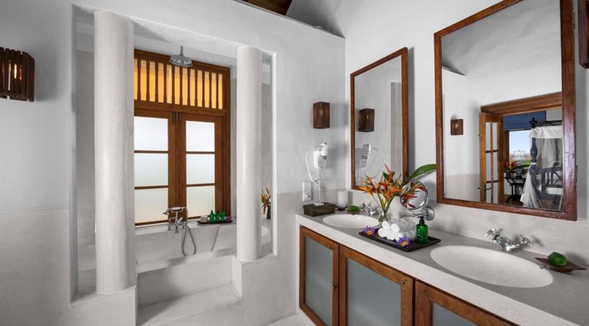 Thambili House - Bathroom