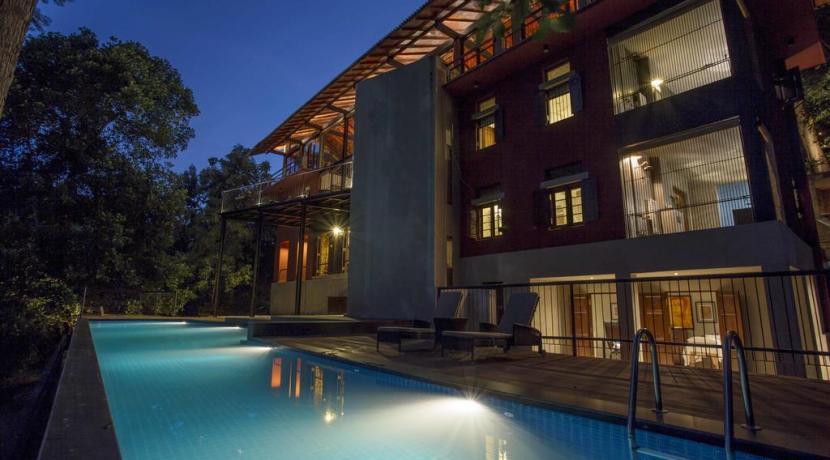 The Hermitage - Villa at night