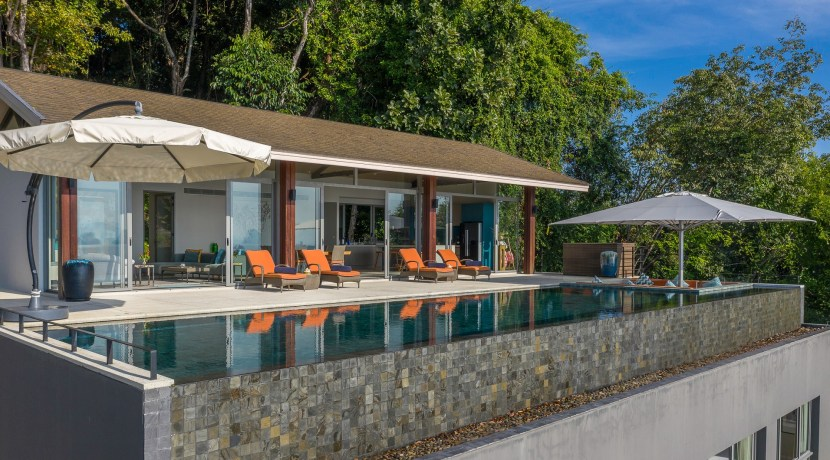 Eagles Nest Villa - Pool and main pavilion exterior with infinity edged swimming pool