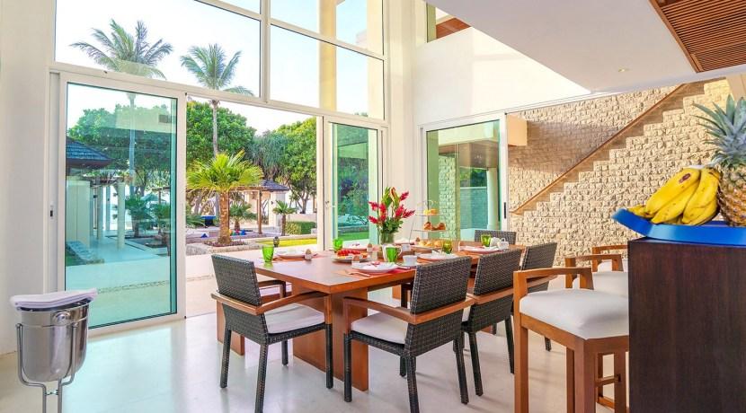Villa Yaringa - Exquisite dining area