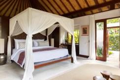 Nora Ocean Suite - Bedroom