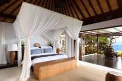 Nora Ocean Suite - Bedroom Outlook