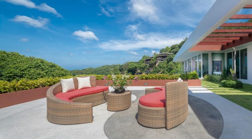 Villa Solaris - Outdoor sitting area and gym exterior