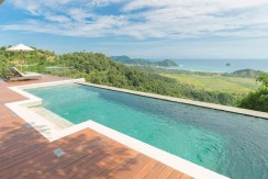 Jakabee Villas - Pool and mesmerising view