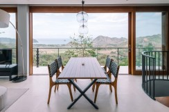 Villa Tebing - Dining area with dazzling view