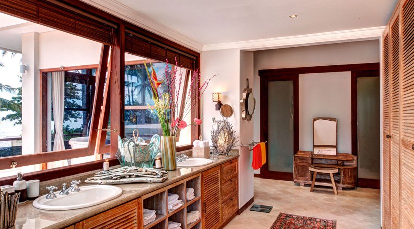 Master-Bathroom-Villa-Gita-Segara-Bali