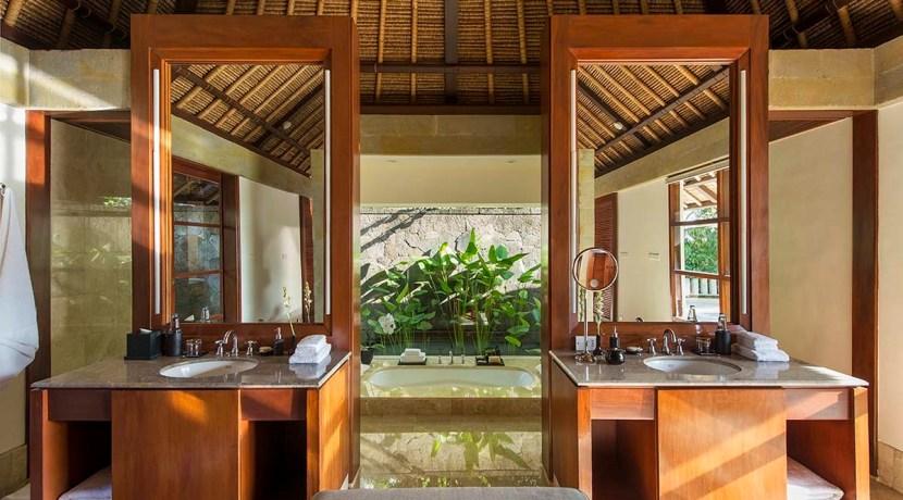 Aman Villa at Nusa Dua - Bathroom