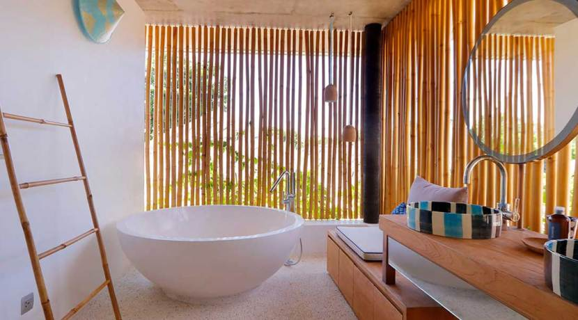 37.-Villa-Seascape---Upstairs-guest-suite-two-bathroom