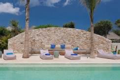 8.-Villa-Seascape---Poolside-sunbeds