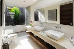 Villa Kailasha_0005_14. The Layar -1 bedroom - Bathroom